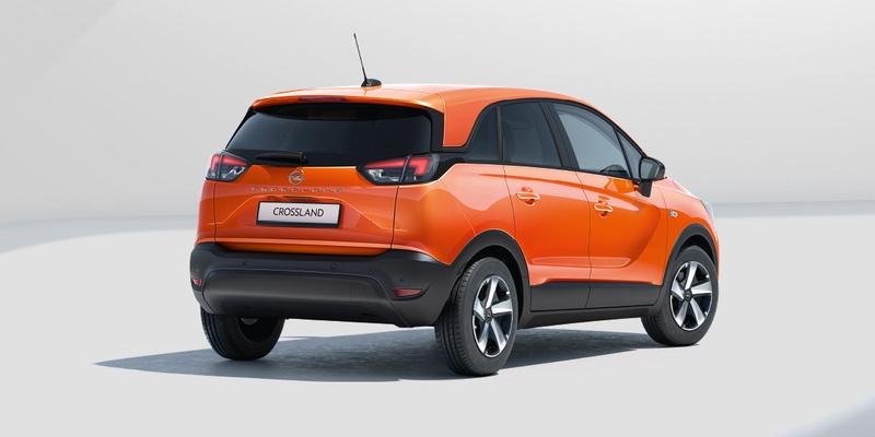 narancssárga opel crossland hátulról