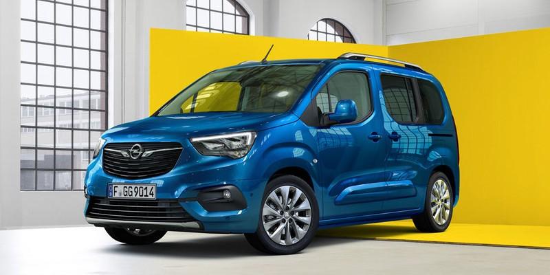 kék Opel Combo Life