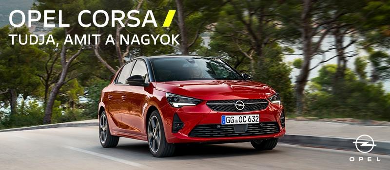 piros Opel Corsa fák előtt