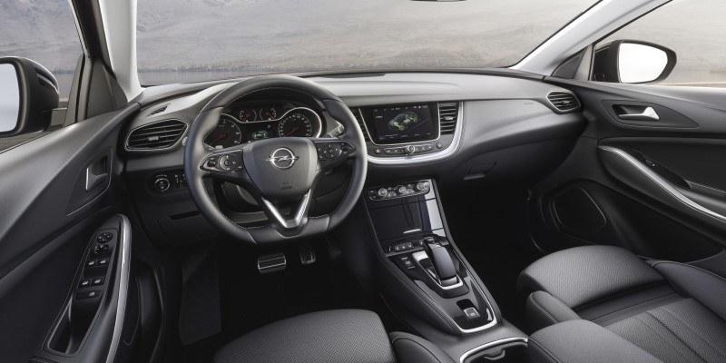 Opel Grandland X Hybrid belső tér