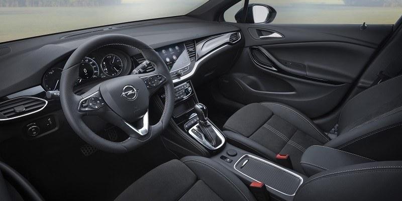 Opel Astra műszerfal