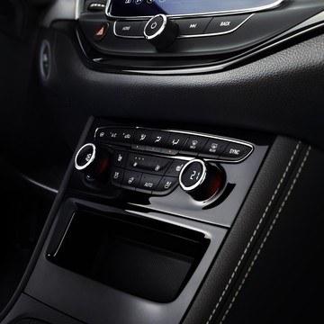 Opel Astra kétzónás automata légkondicionáló