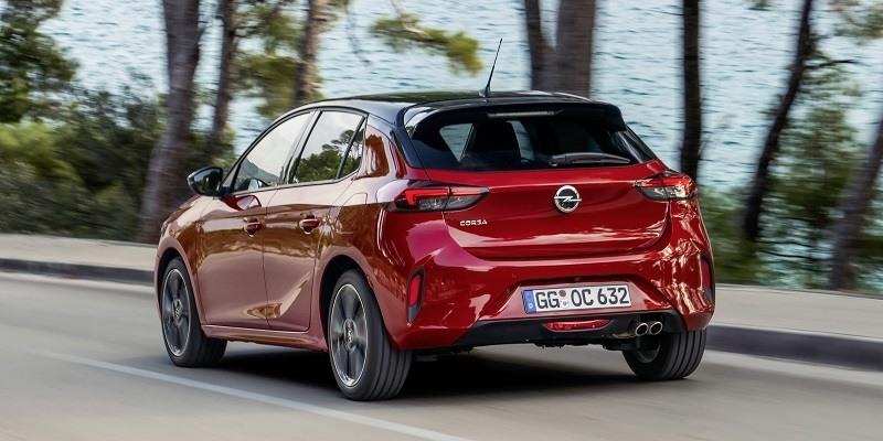 Piros Opel Corsa GS Line